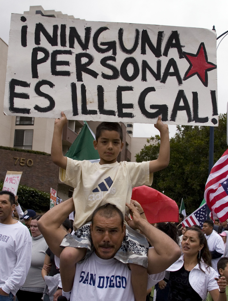 """""""Ninguna persona es illegal!"""""""